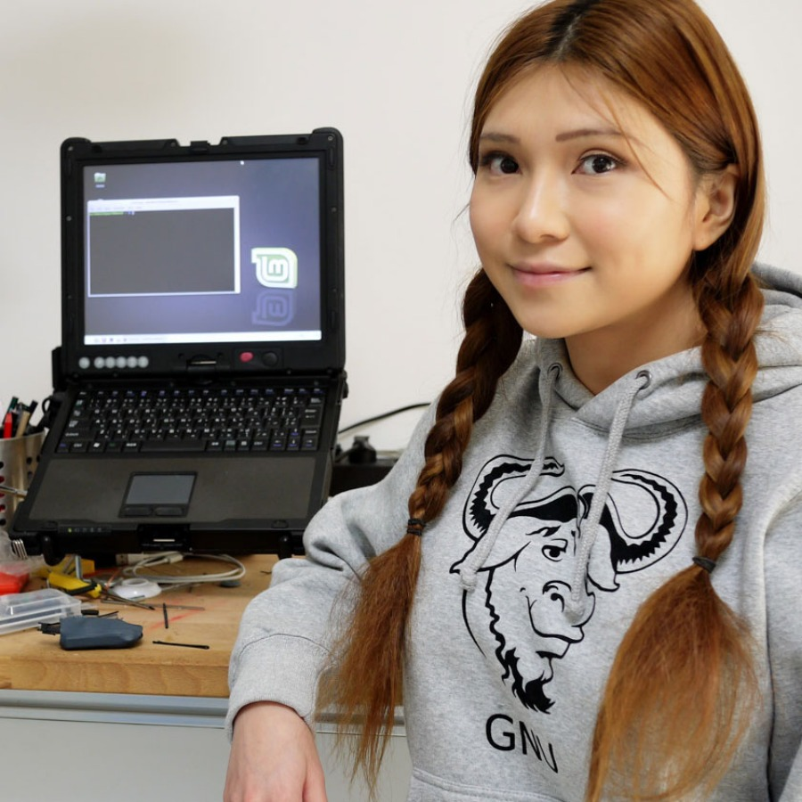 Naomi Wu- Shenzhen Maker, Tech and DIY Enthusiast.